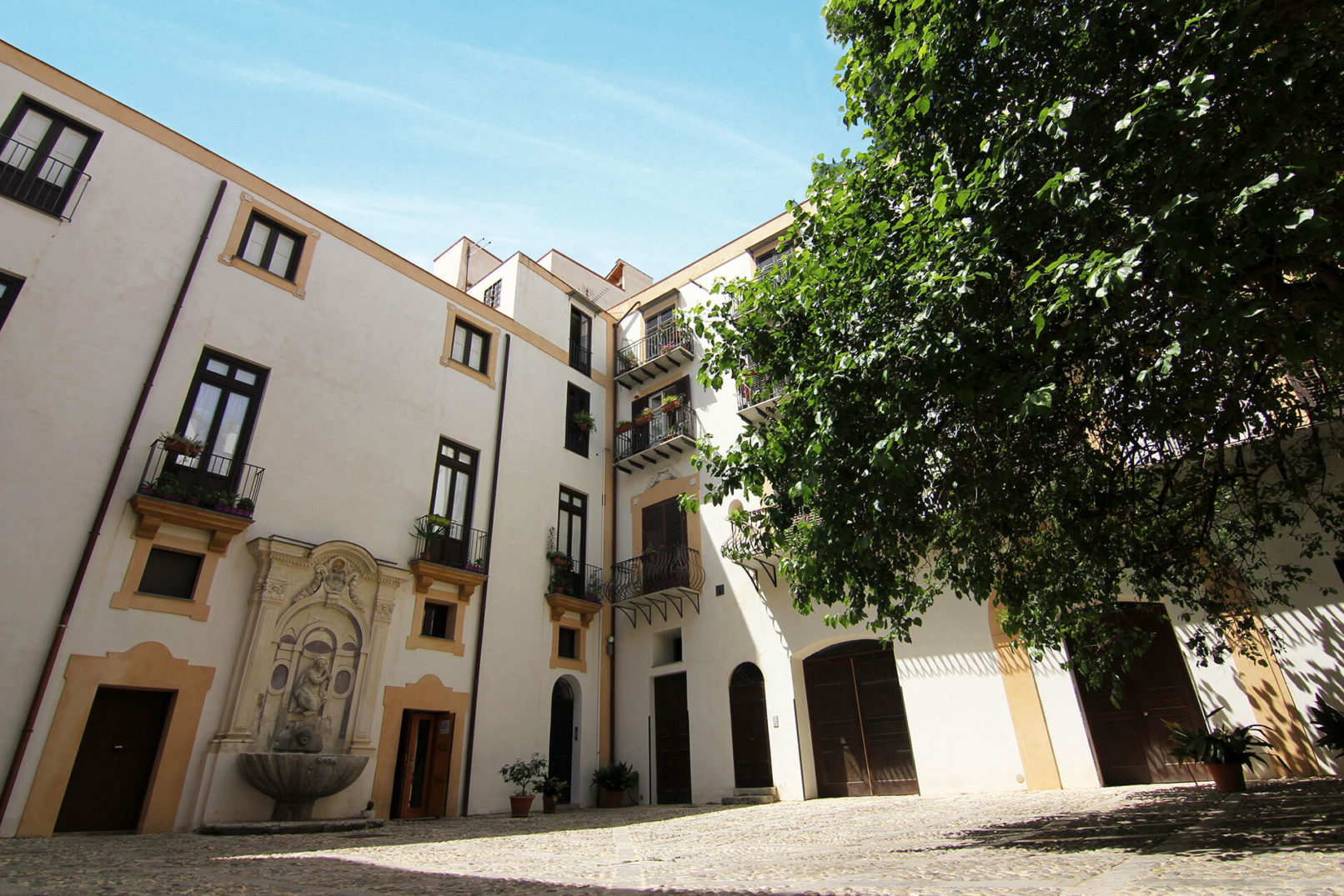 Palazzo Lungarini