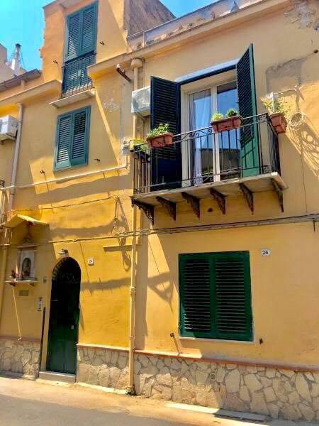 De Valois Apartment
