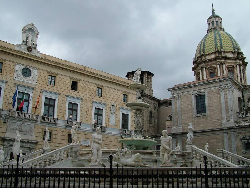 Immagine Palazzo pretorio e cupola San Giuseppe