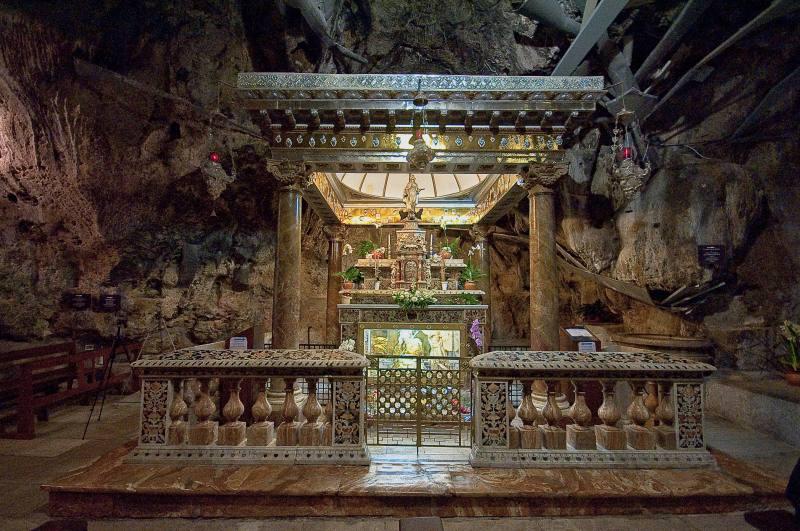 Immagine altare interno