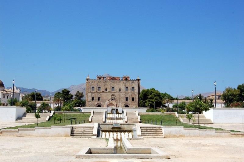 Immagine Castello e parco 1