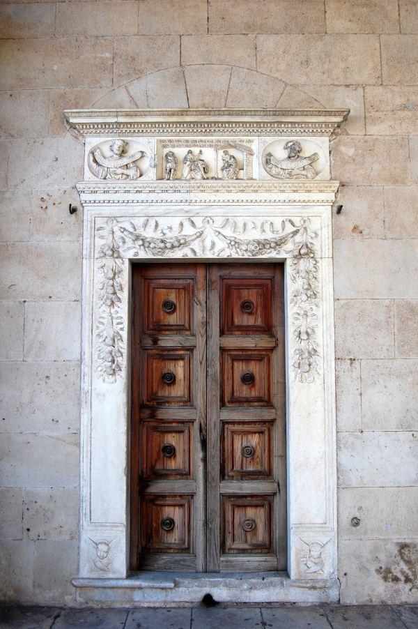Immagine Portone ingresso