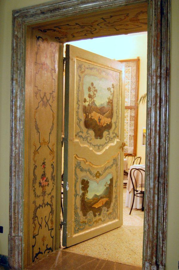 Immagine Affresco porta