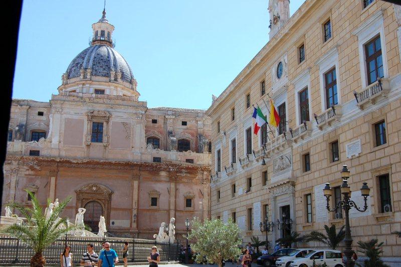 Immagine Piazza pretoria e chiesa di Santa Caterina