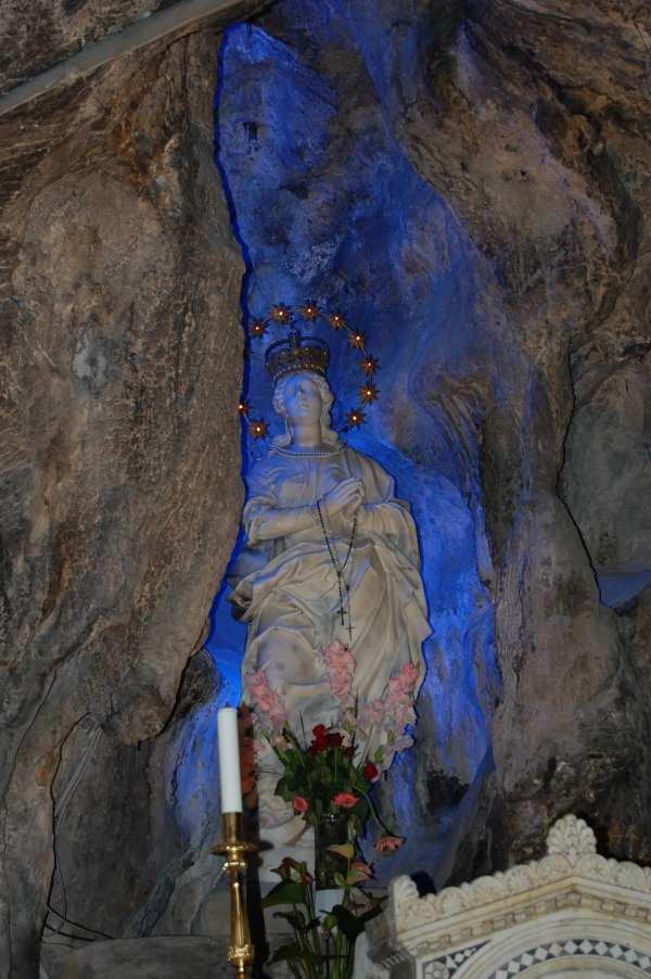 statua altare