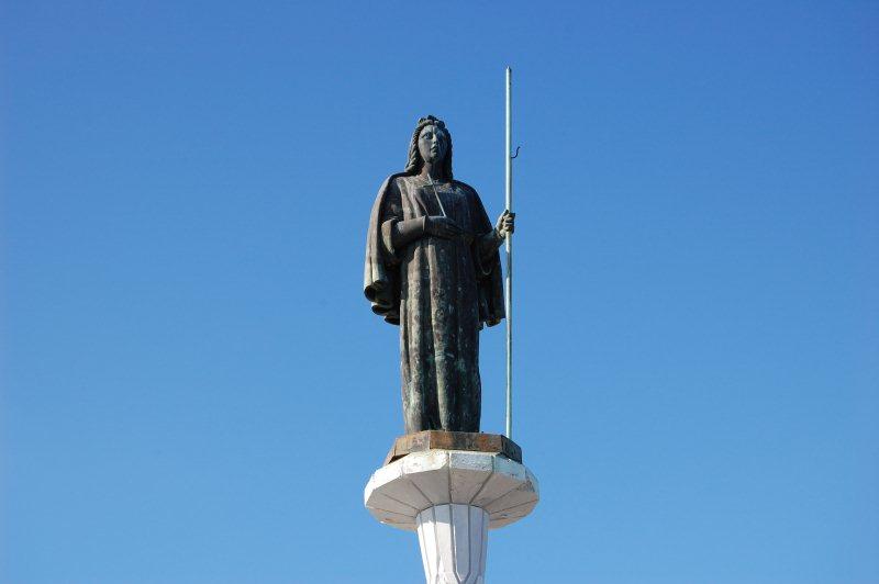 Immagine statua promontorio